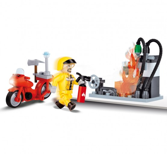 1471_Cobi-Action-Town-50-Fire-Gas-Station_3
